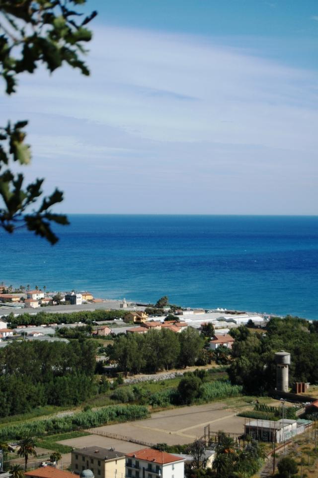 La foce del torrente Nervia - tra Camporosso e Ventimiglia (IM) - cui si accenna nell'articolo in questione.